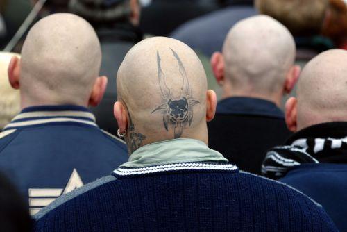 Nazi-Demo zum 60. Jahrestag der Zerstoerung Dresdens