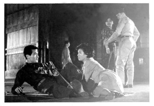 영화 에서 양공주로 일하는 여동생이 나오는 장면