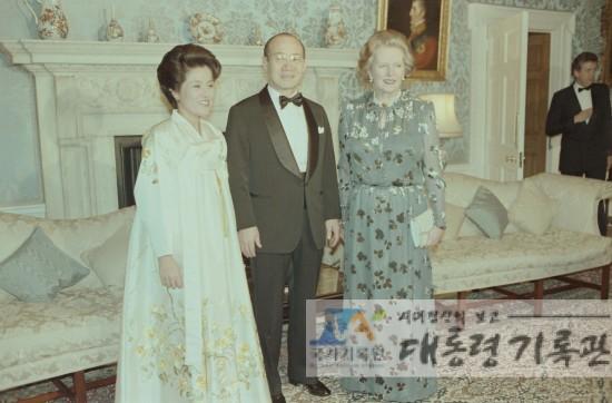 전두환 전 대통령과 대처 전 총리(사진=대통령 기록관)