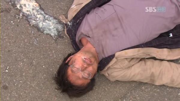 사채업자를 다룬 드라마 '쩐의 전쟁'의 한 장면