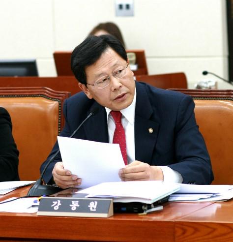 강동원 의원의 모습(사진=진보정의당)