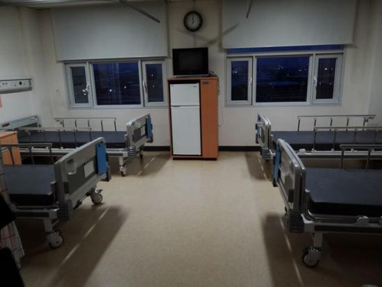 텅 빈 병실