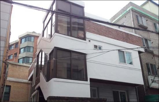 종로구 누상동9번지. 윤동주 시인이 소설가 김송집에서 하숙을 하며 를 써내려갔던 곳이다. 지금은 2층 연립주택으로 바뀌어 시인의 흔적은 아무 것도 남아 있지 않다