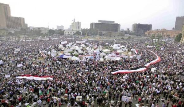 무르시 퇴진을 촉구하는 대규모 이집트 시위 모습