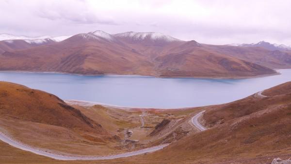 암드록초 호수