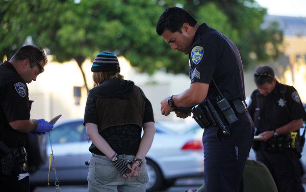 미국 뉴욕의 범죄자 체포 모습