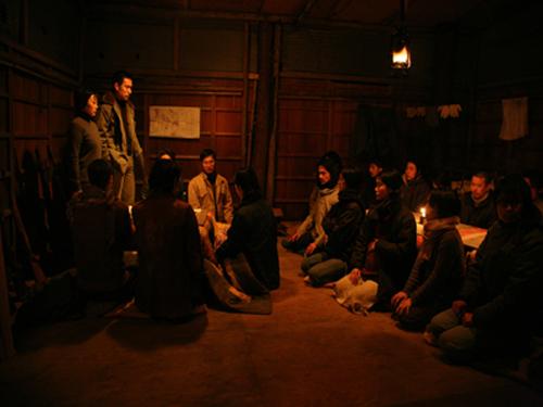 일본 적군파를 다룬 영화 '실론 연합적군'의 내부비판 장면