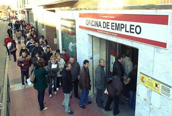 스페인 구직자들의 모습