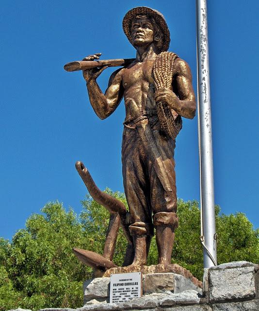 필리핀 게릴라 동상