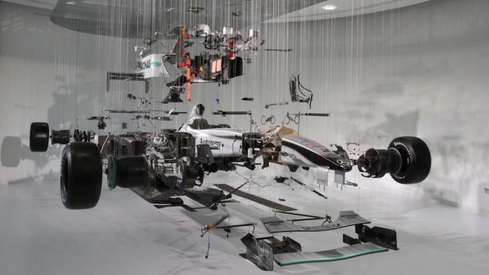 메르세데스-벤츠 월드에 전시된 F1 레이스카