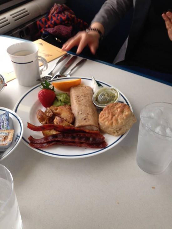 사진2. 기차음식